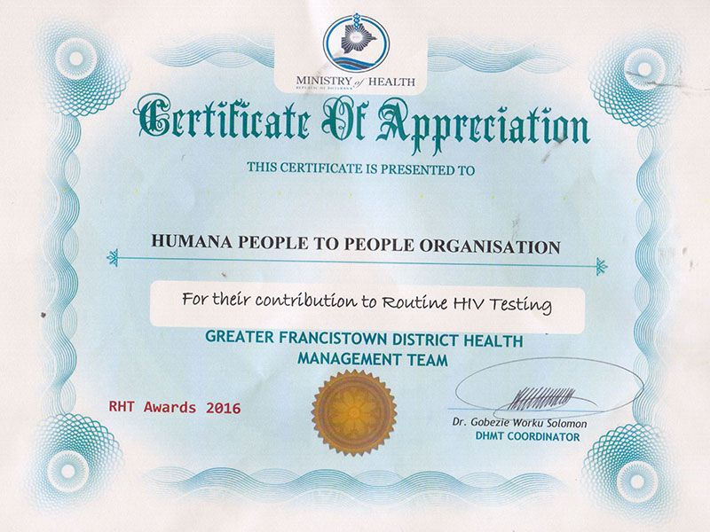 Humana People to People receiving an Award